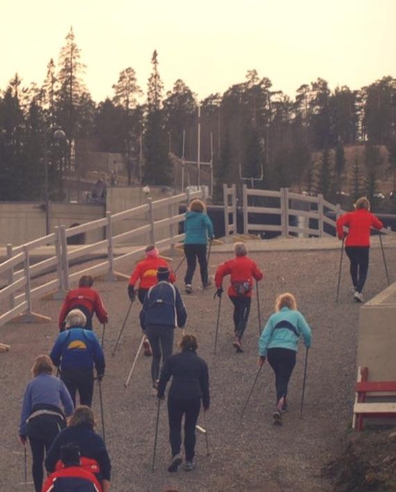 Ingrid-Kristiansen-Personlig_Coaching_Trening_Stavgang_Nordic_Walking_Holmenkollen