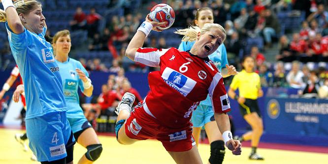 6370_handball_jenten