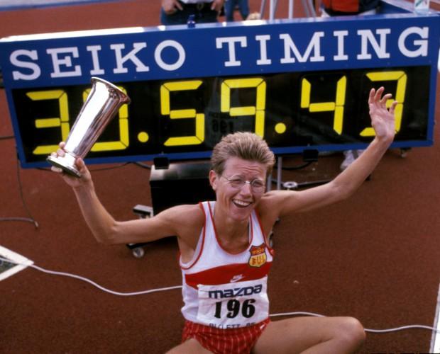 Oslo 19850727 Bislett Games 1985: Ingrid Kristiansen setter ny verdensrekord på 10.000 meter på Bislett stadion. Friidrett.  Foto: NTB-arkiv/SCANPIX